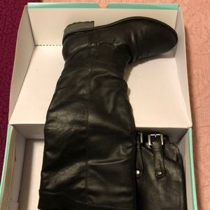 Maurices Women's 9 1/2 Black Over-the-knee Boots